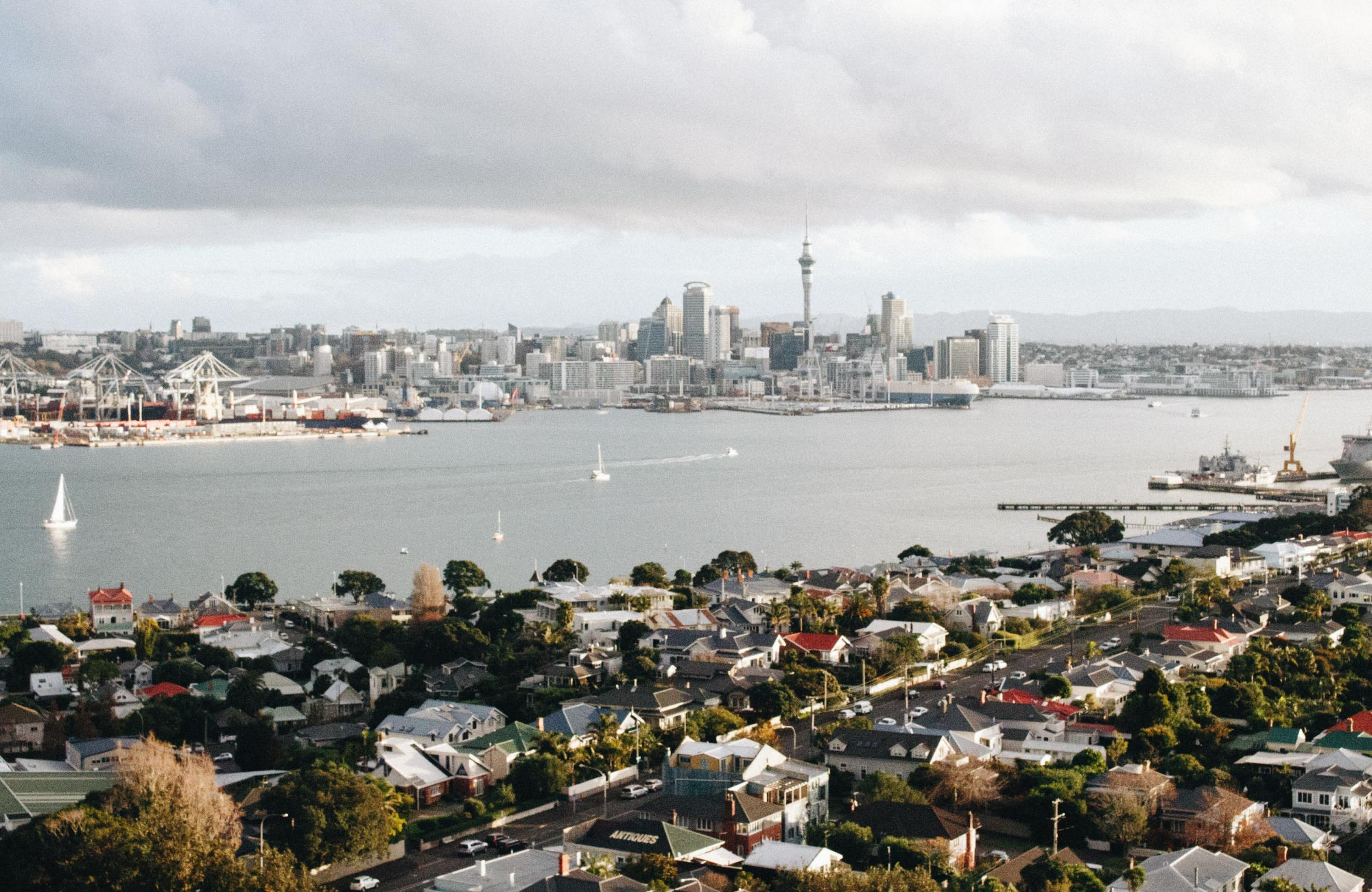 A cityscape of Auckland in New Zealand.